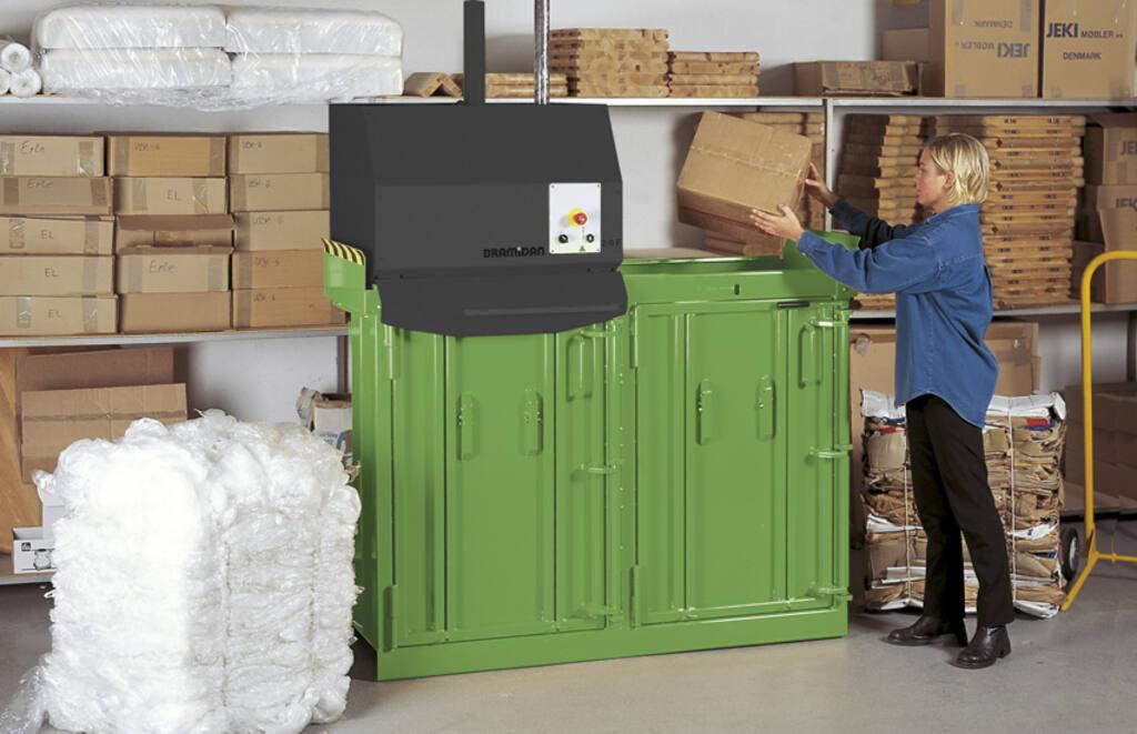 MC4-Green-colour-fill-in-cardboard-852x550.jpg
