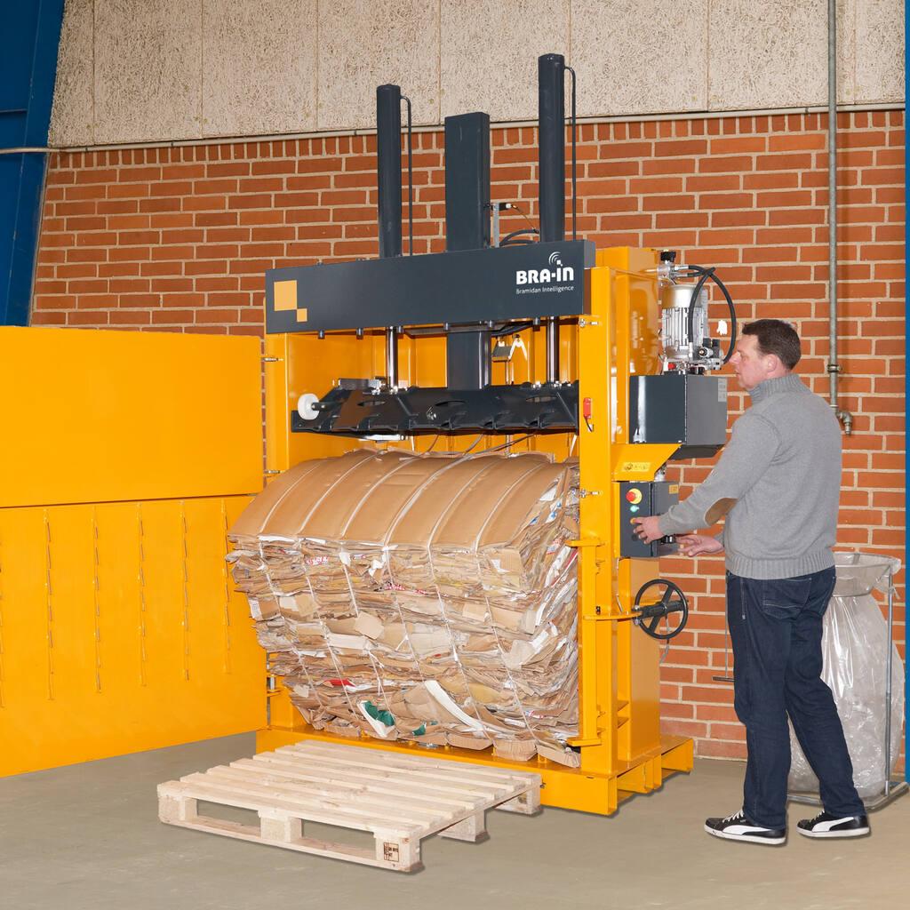 No2-Bramidan-B30-Wide-eject-cardboard-bale-1500x1500.jpg