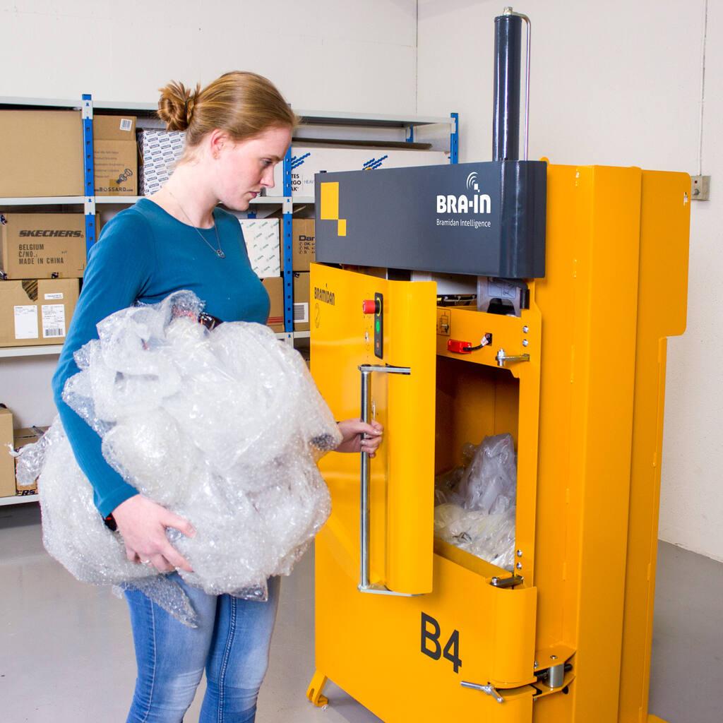No9-Bramidan-B4-door-handle-plastic-img-3837-1500x1500.jpg