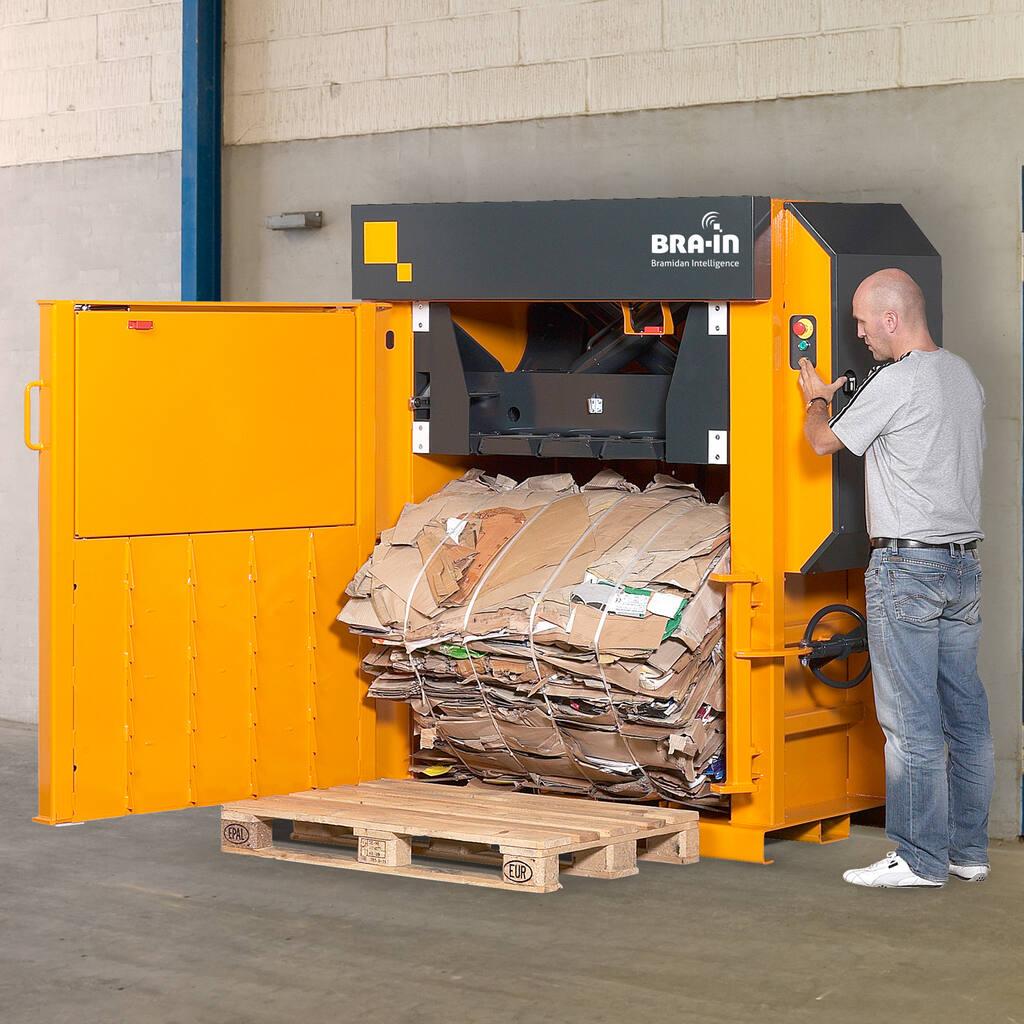 No2-Bramidan-X25-eject-cardboard-bale-1500x1500.jpg