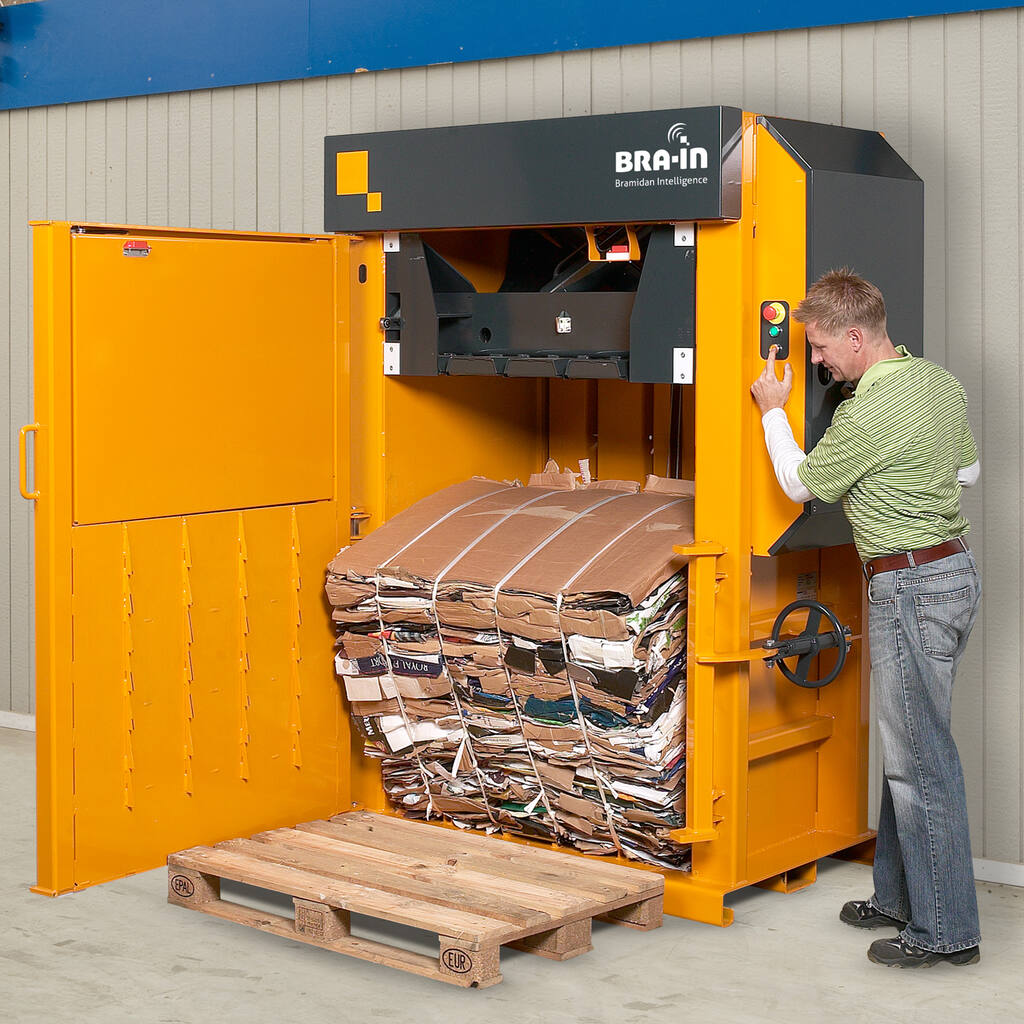 No2-Bramidan-X30-eject-cardboard-bale-1500x1500.jpg