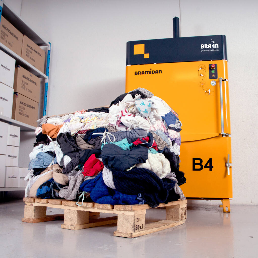 No3-Bramidan-B4-Textile-machine-and-bale-of-clothes-Bramidan-1500x1500.jpg